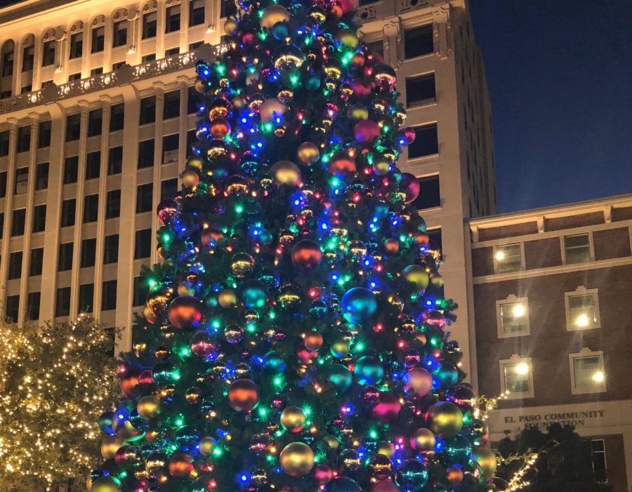 As+shown+in+this+photo+from+Nov.+17%2C+2018%2C+the+city+of+El+Paso+holds+its+annual+%22Celebration+of+Lights%22+before+Thanksgiving+takes+place.+Events+such+as+these+cause+some+to+wonder+whether+the+holidays+are+being+celebrated+for+far+too+long.